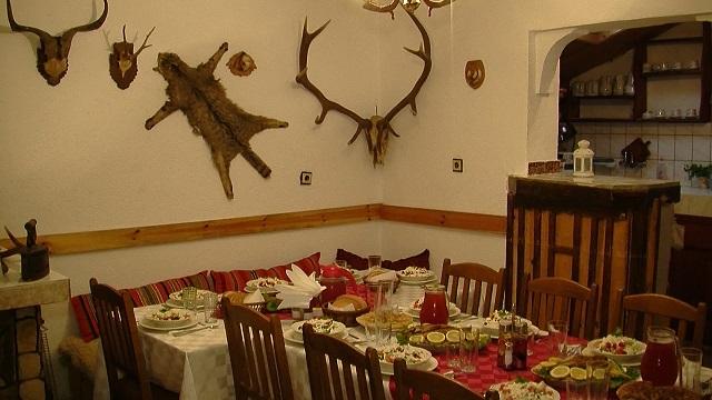 old_vine_dining_room.jpg
