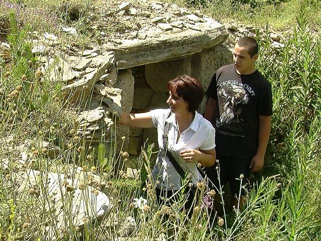 тракийска могила, равногор