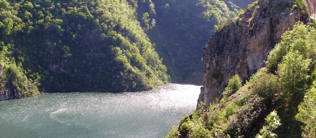 Екскурзия по маршрут – Бургас-Девин-Триград-Ягодинска пещера-Бургас